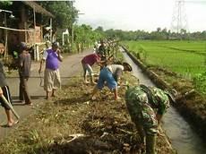 Koramil Jekulo Gotong Royong Bersih Lingkungan Bersama