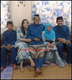 Sepet Raya Pertama Part 2 Gambar Family