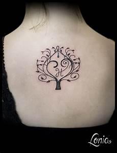 tatouage lonia arbre de vie ornemental coeur