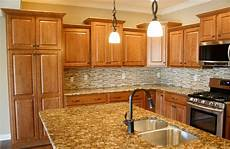 Kitchen Decorating Ideas With Maple Cabinets by Maple Kitchen Cabinets With Granite Countertops