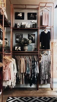 3 Stylish Reach In Closets Natbee S
