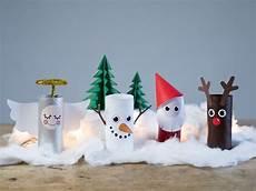 diy weihnachtslandschaft aus papierrollen f 252 r drinnen
