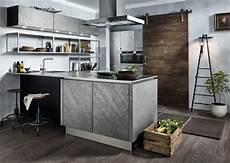 küche beton optik k 252 che in steinoptik mit einer arbeitsplatte aus edelstahl