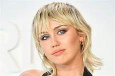 Miley Cyrus Miley Cyrus Reveals She S Been Sober For Six Months