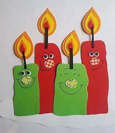 niedliches fenster bild kerzen zum advent weihnachten
