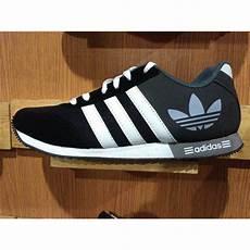 sepatu olahraga sepatu casual sepatu adidas neo v racer elevenia