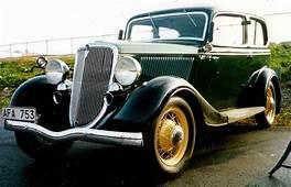 1934 Ford Model 40 700 De Luxe Tudor Sedan AFA753jpg