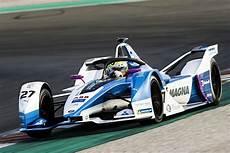 Formel E Bmw - formula e 2018 19 bmw s sims leads valencia gen2 testing
