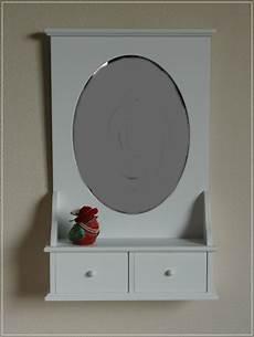 wandspiegel mit ablage landhaus ovaler wandspiegel wei 223 spiegel mit ablage landhaus stil