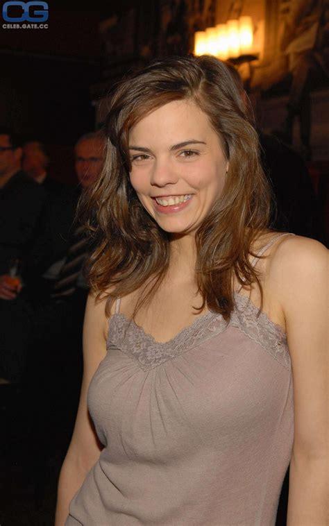 Camilla Renschke Nude