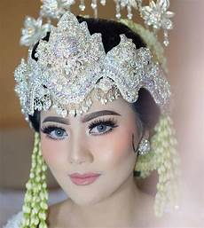 30 Make Up Pengantin Tutorial Terbaik 2020