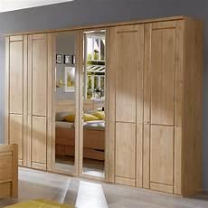 schlafzimmerschrank mit dreht 252 ren und spiegel aus erle