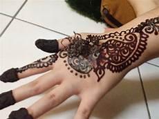 Gambar 12 Simple Tubuh Pria 5 Gambar Henna Cowok Di