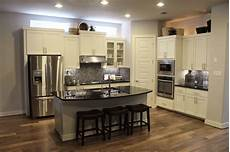 kitchen countertops and cabinet combinations how to match kitchen cabinet countertops and flooring combinations