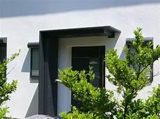 Vordach Hauseingang Mit Seitenteil - vordach aus aluminium mit seitenteil briefkasten