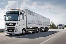 lkw geschwindigkeit landstraße e lkw diese trucks fahren elektrisch bilder autobild de
