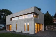 einfamilienhaus ein haus am puls der musterhaus architektenpaar baut in d 228 mmbeton haus