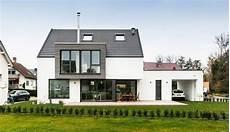 Einfamilienhaus Mit Terrasse Architekturb 252 Ro Sennrich