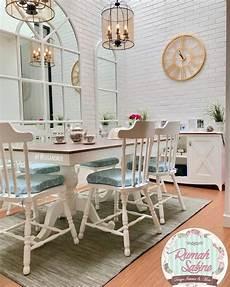 Desain Interior Ruang Makan Ala Cafe Dengan Gaya Shabby