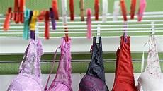 wäsche weich bekommen ohne weichspüler farbfangt 252 cher fusselb 228 lle und co was taugen die helfer
