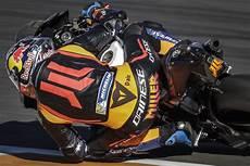 motogp valence 2017 motogp test 2018 224 valence yamaha rel 232 ve la t 234 te moto revue