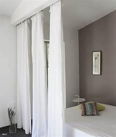 rideau design chambre separation de avec rideaux mlc design salon