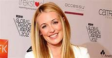 cat deeley proudly poses with wedding ring e news