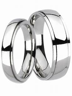matching his and hers wide titanium wedding bands ring