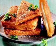 mozzarella in carrozza siciliana ricetta mozzarella in carrozza la cucina italiana