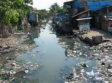 Pencemaran Lingkungan Lihat Air Sekitar Qta