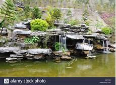 Steingarten Mit Teich - rockery stockfotos rockery bilder alamy