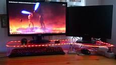 monitor tisch mit led beleuchtung und ambient light