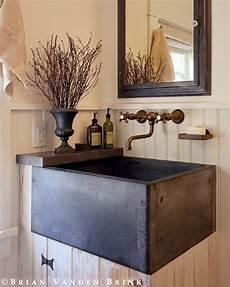bathroom sink decorating ideas rustic powder farmhouse sink vanity идеи домашнего декора деревенские дома и винтажные ванные