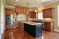 paint color kitchen maple cabinets best kitchen paint colors with maple cabinets photo 21 maple cabinets paint colors