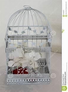 regalo gabbia uccelli gabbia per uccelli regalo di nozze fotografia stock