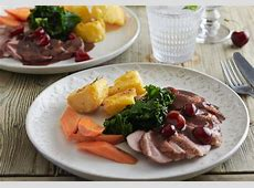 grilled gressingham duck with cherry sauce_image