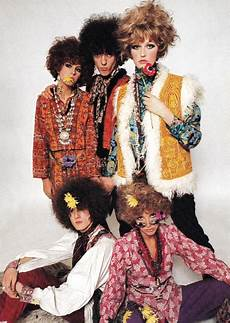Flower Power Mode - 1960s fashion byron s muse