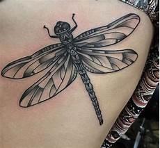 tattoos und ihre bedeutung 27 wunderbare libelle tattoos und ihre bedeutung