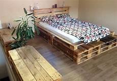Europaletten Möbel Bett - bett und kommoden aus aufbereiteten europaletten