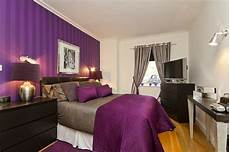 Decorating Ideas For Purple Rooms by Purple Bedroom Decor Ideas With Grey Wall And White Accent
