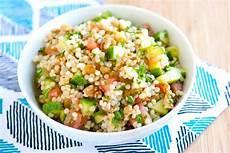 Rezept Couscous Salat - 20 minute lemon and herb couscous salad recipe