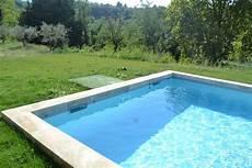 r 233 alisation d une piscine en pvc arm 233 gris clair sur