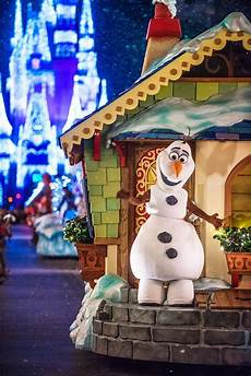 mickey s very merry christmas party tips disney tourist blog