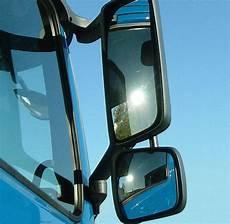 Toter Winkel Spiegel - blick in den lkw spiegel sch 252 tzt radfahrer toter winkel