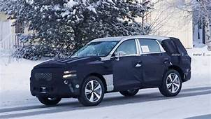 Genesis GV80 SUV Rendered With Sharp Familial Cues