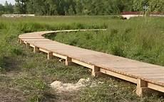 chemin bois jardin platelage cheminement caillebotis marcanterra bois et