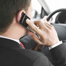 amende telephone au volant sans se faire arreter t 233 l 233 phoner au volant m 234 me 224 l arr 234 t c est d 233 sormais interdit