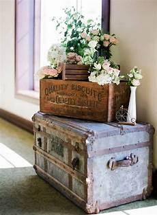 alte koffer deko wundersch 246 ne vintage dekoration 2 alte koffer als