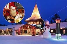 santa claus das weihnachtsdorf in finnland