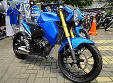Modifikasi Suzuki Gsx R150 by Modifikasi Suzuki Gsx R150 Dan Gsx S150 2 Aliran Berbeda